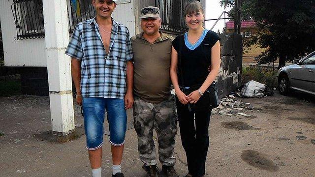З полону бойовиків звільнили двох волонтерів, - Міноборони