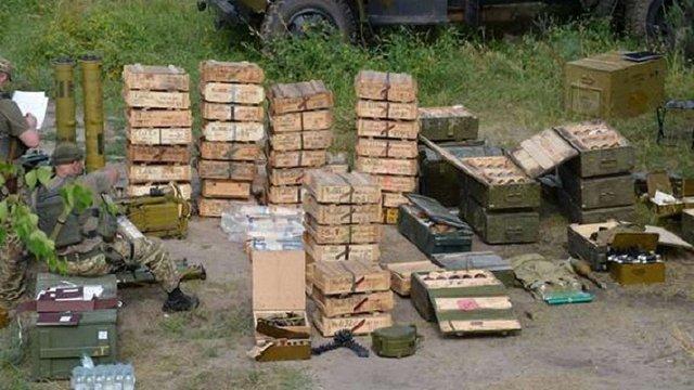 На Луганщині міліція виявила арсенал зброї та боєприпасів