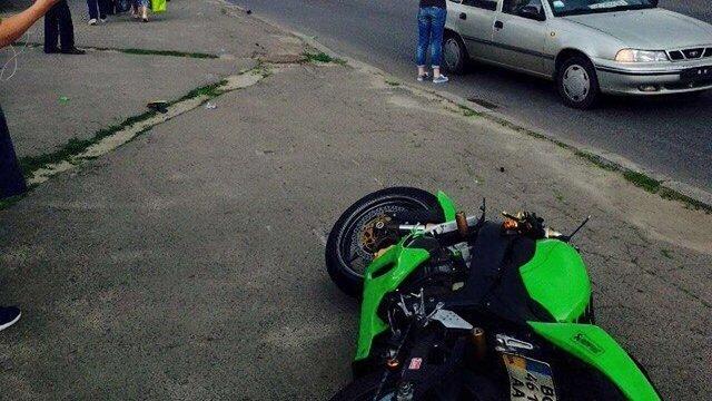У Львові мотоцикліст на смерть збив жінку