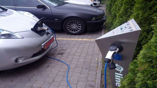 У Львові встановили ще дві зарядні станції для електромобілів