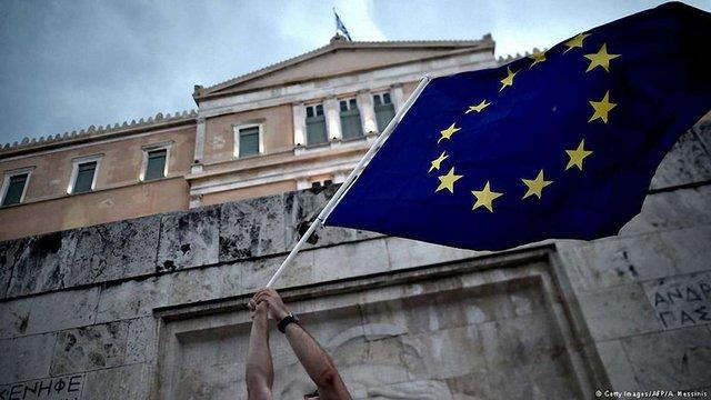 ЄС офіційно визнав Грецію банкрутом