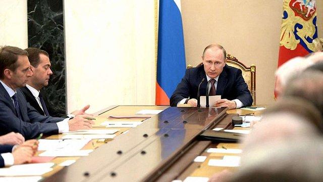 Путін заявив, що війну на Донбасі спровокували санкції проти РФ