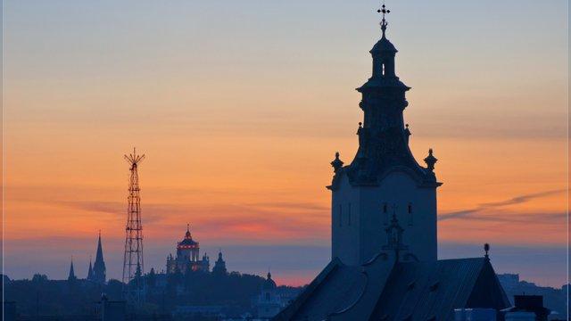 Оновлені графіки руху нічних маршруток у Львові