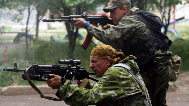 На Луганщині бойовики обстріляли «КамАЗ» з українськими військовими