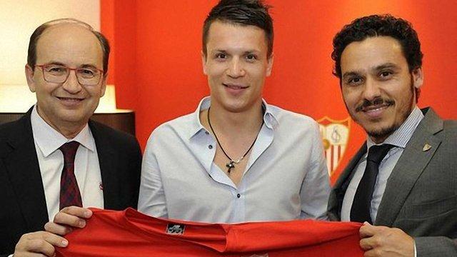 Офіційно: Євген Коноплянка підписав чотирирічний контракт із «Севільєю»
