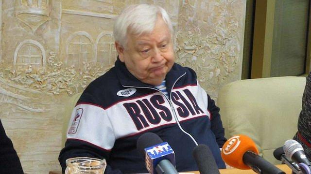 Олег Табаков назвав українців «темними та неграмотними»