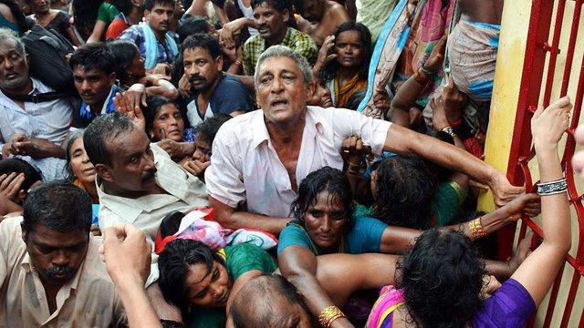 27 людей загинули в тисняві на релігійному святі в Індії