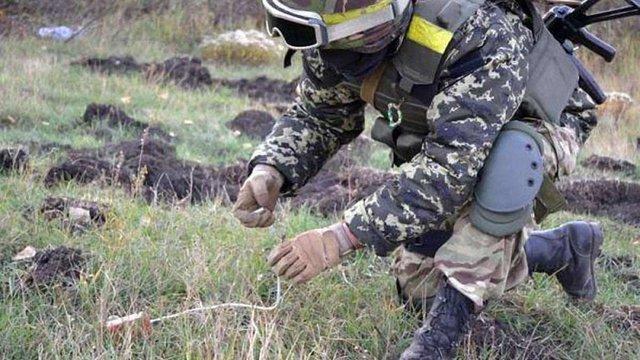 На Луганщині внаслідок підриву на міні загинули п'ятеро військових