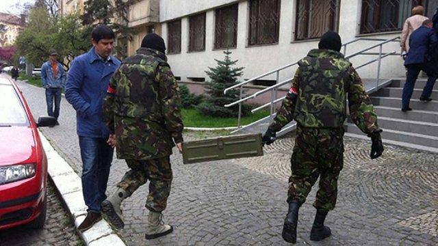 В ужгородському офісі «Правого сектору» вилучили зброю і боєприпаси, - ГПУ