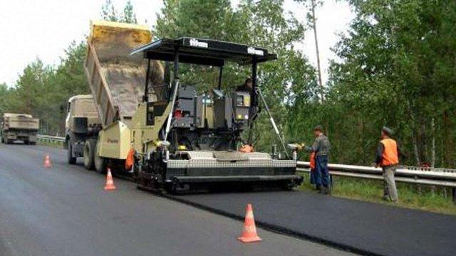Рада може дозволити Львівській області відновлювати дороги за кошти від митниці