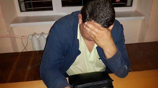 У Львові п'яний екс-начальник райвідділу міліції заснув за кермом автомобіля