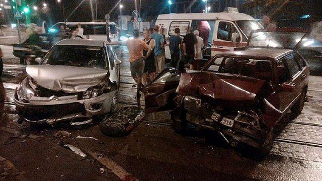 У нічній ДТП на вул. Липинського у Львові постраждало четверо людей