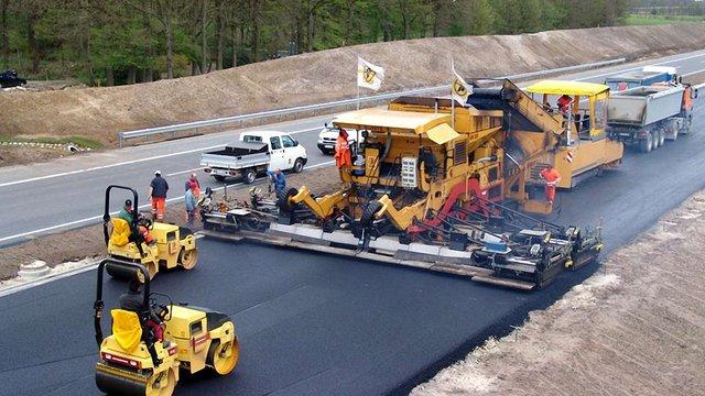 Мінінфраструктури визначило претендентів на будівництво дороги Львів-Краковець