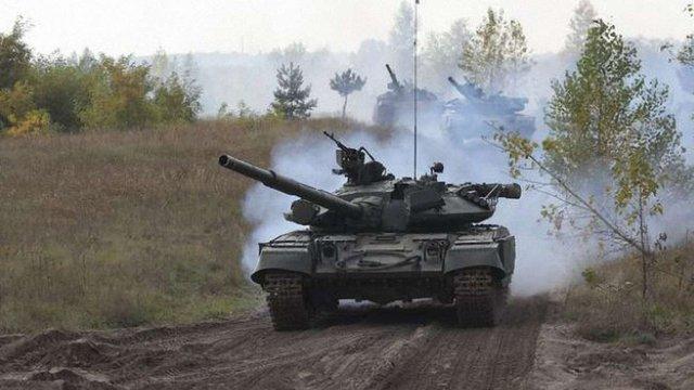 Спостерігачі ОБСЄ зафіксували, як танки бойовиків обстрілювали Щастя