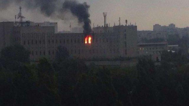 У Харкові спалахнула пожежа в НДІ радіотехнічних вимірювань