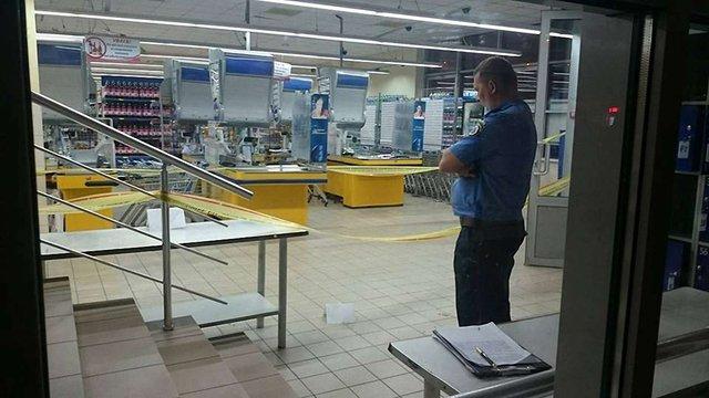 У супермаркеті в Харкові застрелили чоловіка