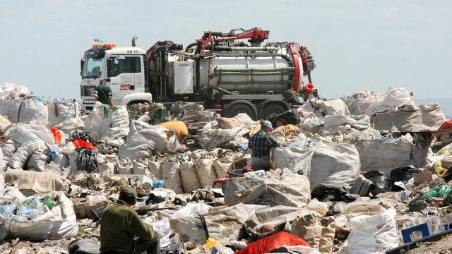 На Львівщині планують вивозити сміття з усіх населених пунктів