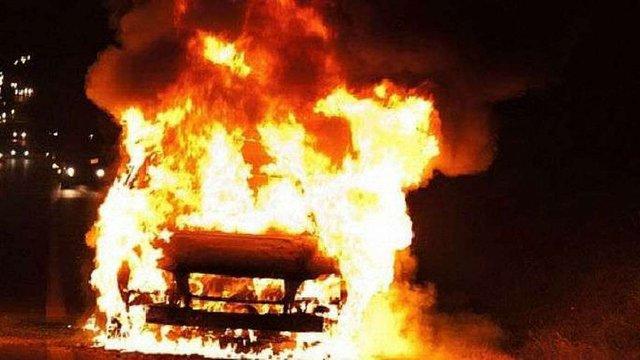 На Луганщині невідомі спалили автомобіль командира роти «народної міліції ЛНР»