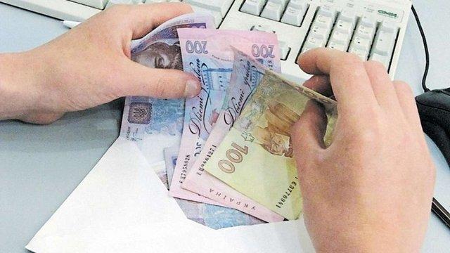 Місцева влада змушує львівських підприємців піднімати зарплати