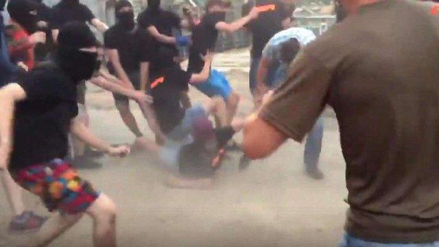 У мережі з'явилося відео масової бійки на Голосієвському проспекті у Києві