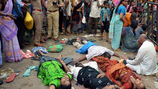 Десять людей загинули в тисняві на релігійному фестивалі в Індії