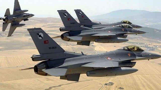 Турецька авіація знищила 17 об'єктів курдів