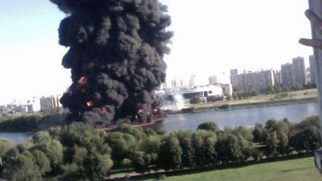 У Москві через аварію на магістральному нафтопроводі сталася пожежа