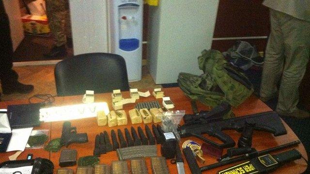 У Києві правоохоронці вилучили арсенал зброї