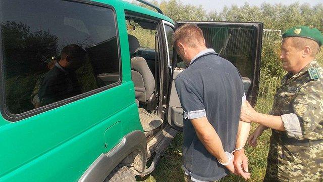Прикордонники Львівщини затримали двох нелегальних «заробітчан»