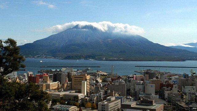 У Японії посилилась активність вулкану за 50 км від атомної електростанції