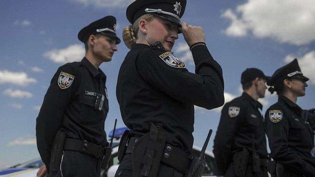 У Києві патрульні поліцейські виявили вибуховий пристрій під автомобілем