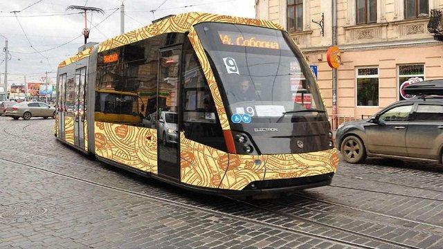 Дизайнери показали ідеї оформлення громадського транспорту Львова