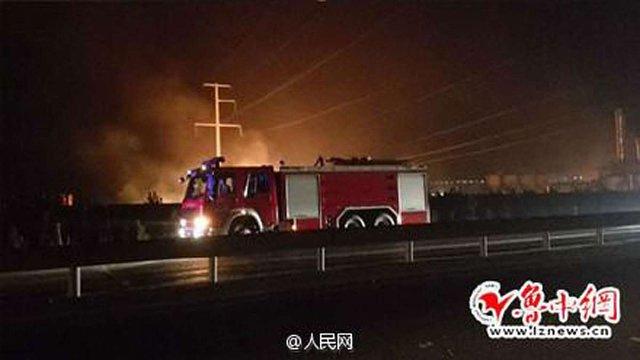 На хімічному складі на сході Китаю стався потужний вибух (відео)