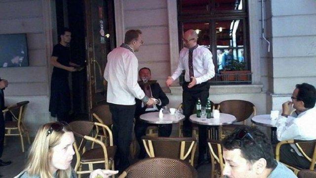 Прем`єр-міністр зустрівся з мером Львова і головою ЛОДА у популярній кав`ярні