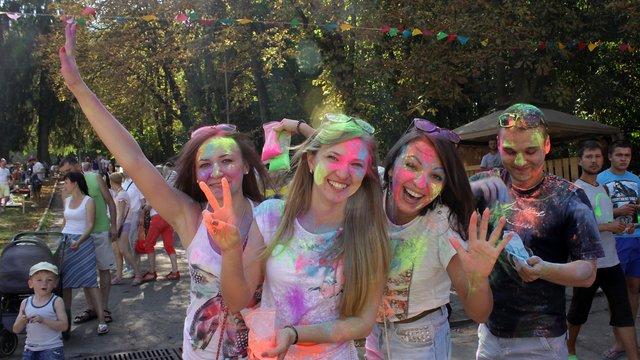 У Львові провели барвистий кавуновий фестиваль
