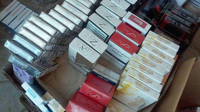 У Маріуполі викрили склади контрабандних російських цигарок