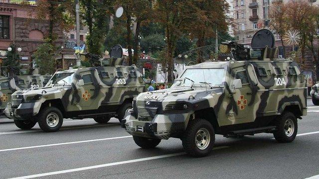 Центр Києва патрулюватимуть на броньованих автомобілях