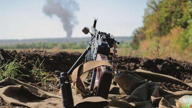Уночі бойовики двічі відкривали вогонь в зоні АТО