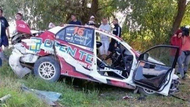 Українські автогонщики розбились на ралі у Латвії