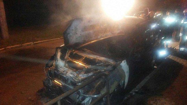 Вночі на Сихові у Львові згоріли два автомобілі