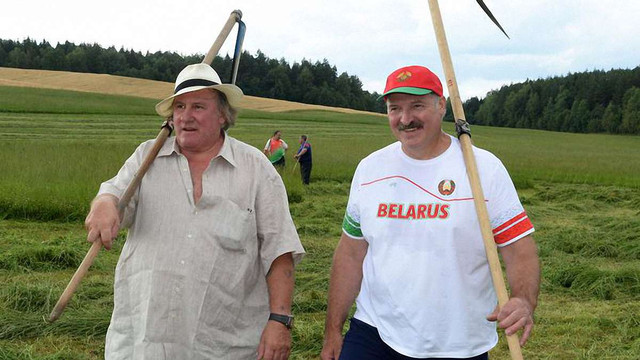 Жерар Депардьє вирішив жити серед білоруських селян