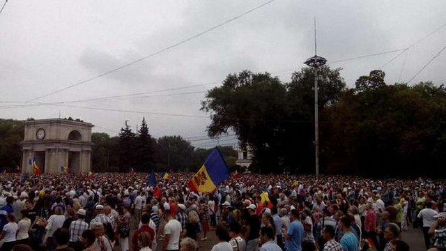 У  Кишиневі проходить масштабний мітинг проти чинної влади