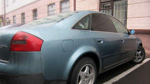 У Рівному міліція знайшла в автомобілі майже 150 кг бурштину
