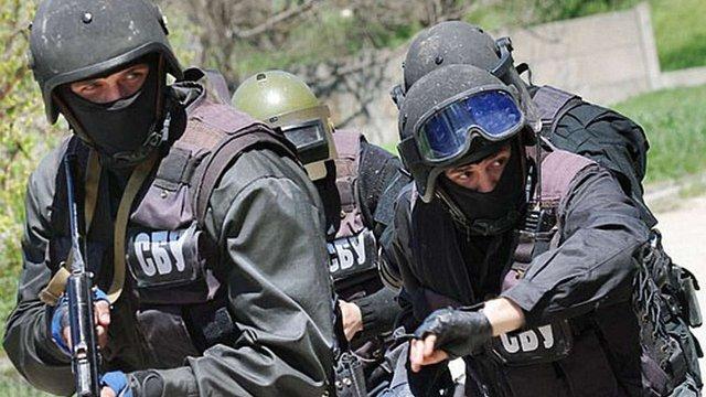 Дві схованки зі зброєю та боєприпасами виявили поблизу Ужгорода