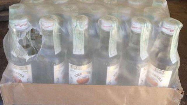 В зону АТО не пропустили 30 тисяч пляшок підробленої горілки