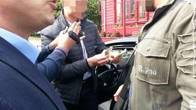 Депутата Чернігівської міськради затримали на хабарі