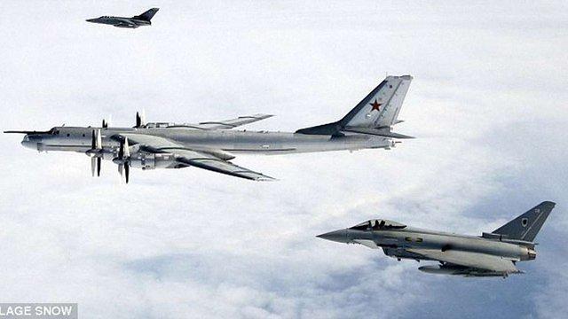 Британські ВПС перехопили два російських бомбардувальники біля Шотландії