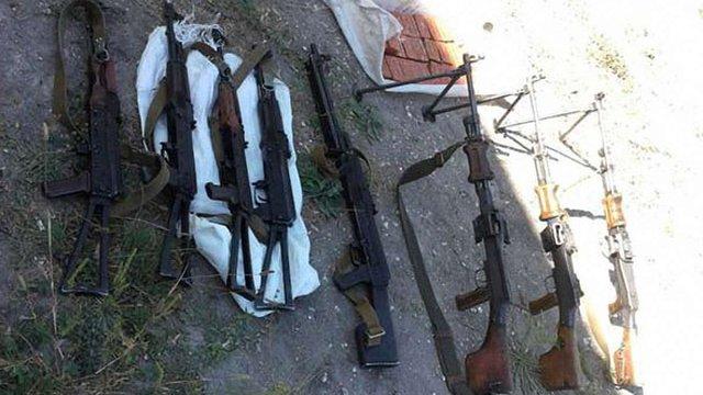 На Луганщині СБУ викрила схованку з кулеметами і вибухівкою