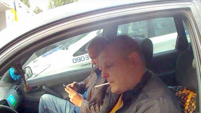 У Києві поліція затримала нетверезого водія, який представився «своїм з Беркуту»