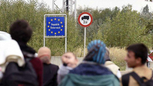Через велику кількість біженців Німеччина вводить прикордонний контроль з Австрією